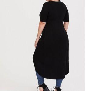 06d7202f7cd torrid Tops - Torrid black knotted asymmetrical tunic